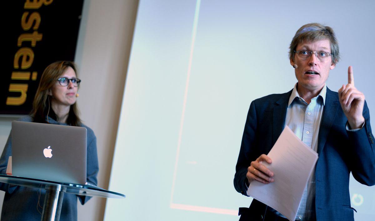 Jens Barland og Ragnhild Olsen holder foredrag.