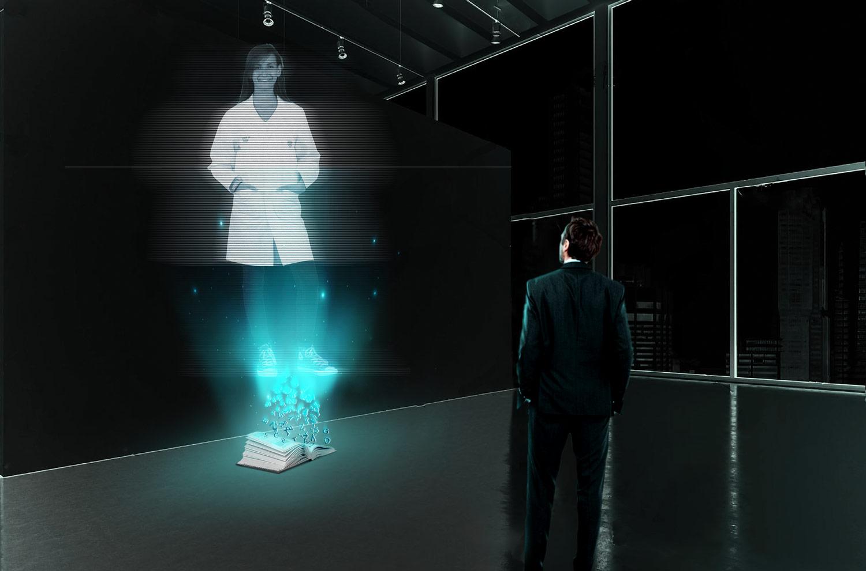 En mann i et galleri ser på at et hologram av en forsker kommer av en bok.